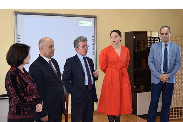 Таджикских специалистов обучат компьютерному дизайну GRAFIS