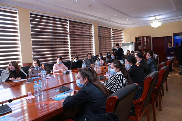 """Круглый стол с участием работодателей    в рамках реализации проекта """"Образование девушек и их конкурентоспособность на рынке труда"""""""
